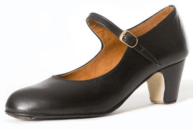 Flamencoskor i läder med naglar