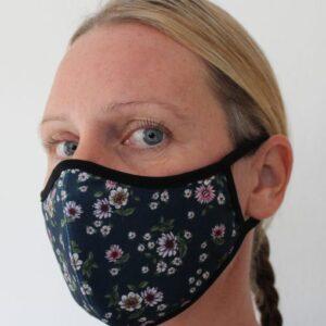 Tvättbart munskydd i tyg för vuxna.